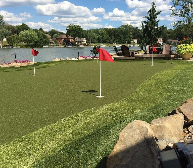 Larry Lanham's Professional Backyard Putting Green with GolfGreens by ForeverLawn