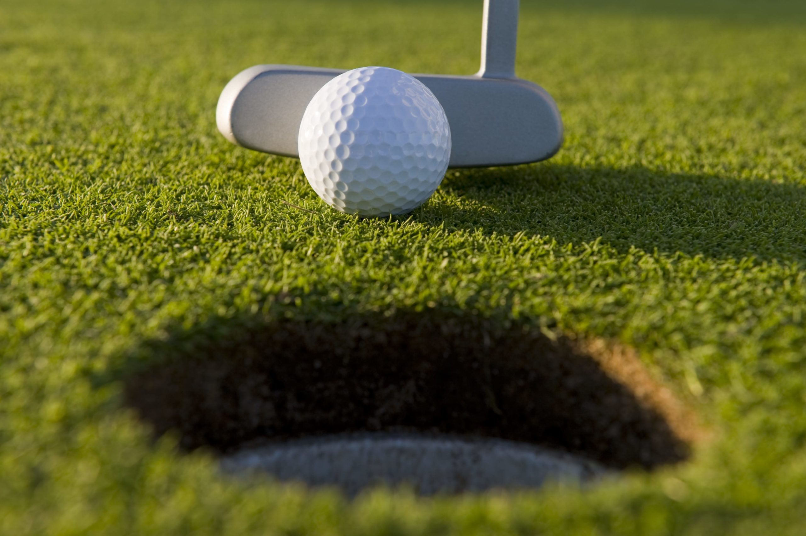 short putts on fast greens